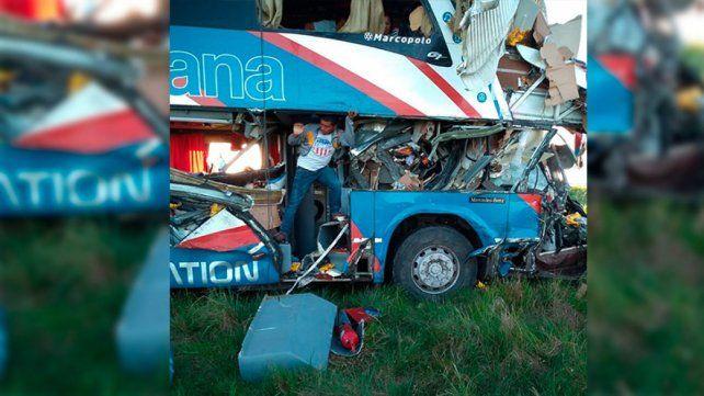 Chocaron un camión y un colectivo en Ruta 14: Suman cinco las víctimas fatales