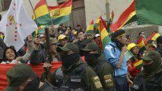 militares piden la renuncia de evo
