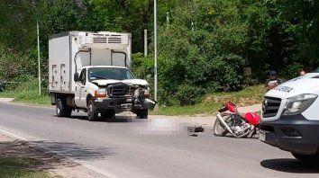 murio motociclista en choque frontal