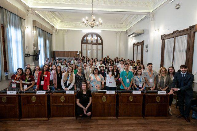 Los estudiantes de la provincia ocuparon las bancas de senadores.