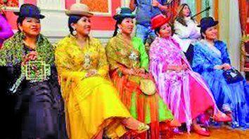 nuestra cultura bataraza  late en victoria santa cruz y silvia rivera cusicanqui