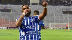 El uruguayo no podrá jugar ante el Rojinegro cuando se reanude la Superliga.