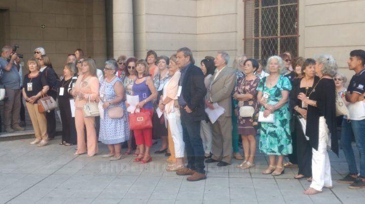 Docentes egresadas en la escuela Normal celebran 50 años