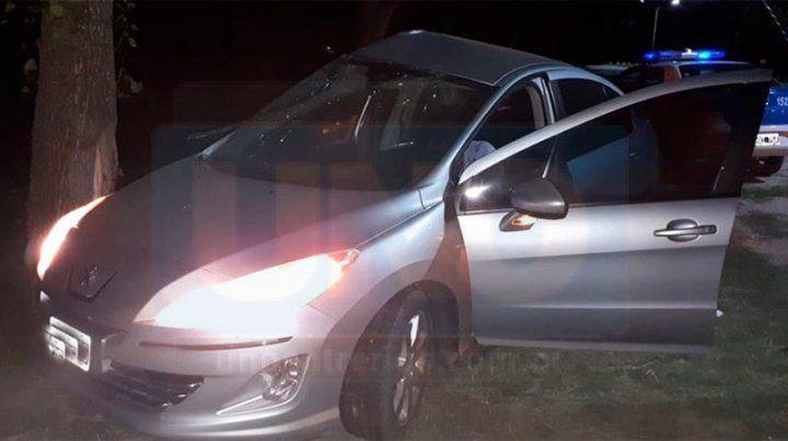 El intendente de Viale chocó su auto contra un árbol