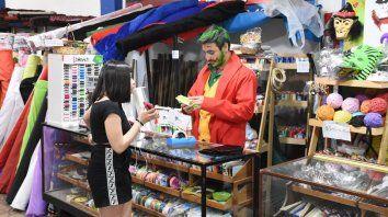 Con capacidad hotelera colmada, Paraná espera la Fiesta de Disfraces