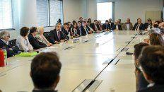 fernandez amplia la gira europea en busca de apoyo para renegociar con el fmi