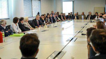 Fernández amplía la gira europea en busca de apoyo para renegociar con el FMI