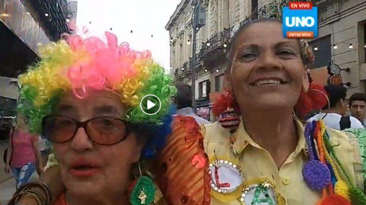Zulema y Dora el sábado en la peatonal de Paraná.