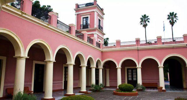 Pasan los meses y el Palacio San José está cada vez más deteriorado