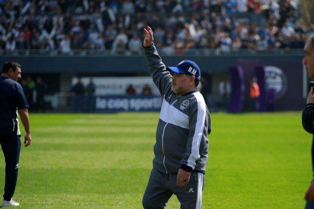 Maradona se fue de Gimnasia