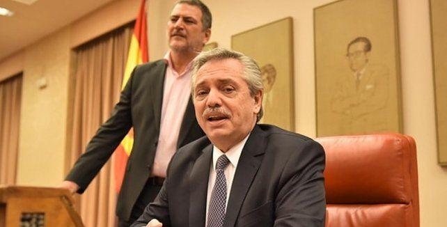 Alberto suspendió la gira europea para definir las primeras medidas