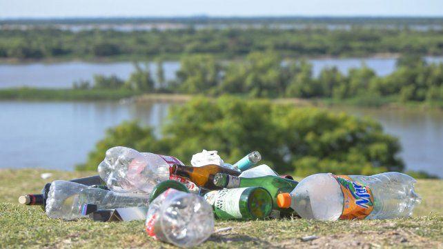 La basura se acumuló en El Mirador durante el fin de semana largo.