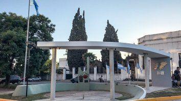 inauguran un renovado monumento para honrar a los caidos en malvinas