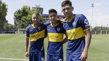 Vázquez (a la derecha) junto a Weigandt y Cañete.