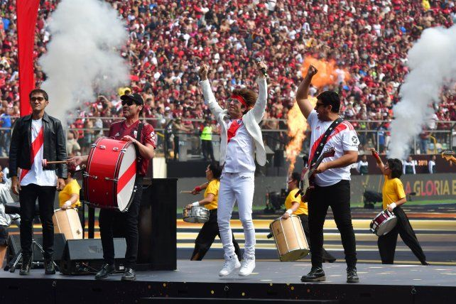 Turf calentó la previa de la final de la Libertadores