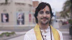 deepak, el astrologo hindu, predice el futuro de parana