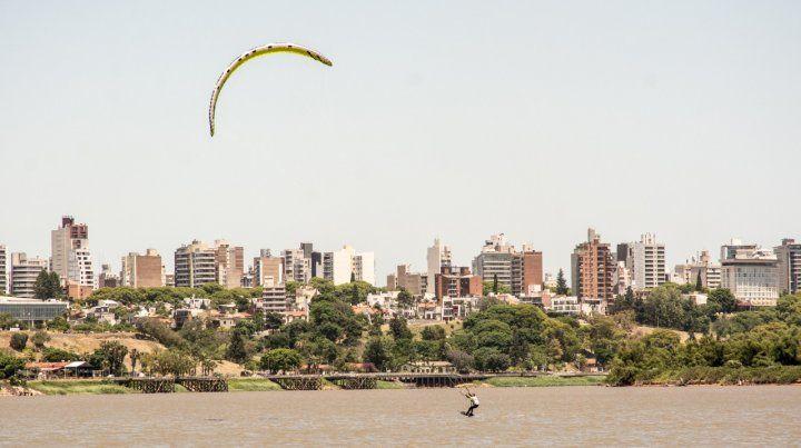 La ciudad desde el río.