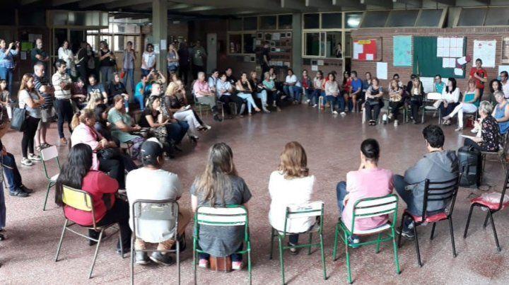 En plenario popular docentes trabajaron sobre La Educación que Queremos
