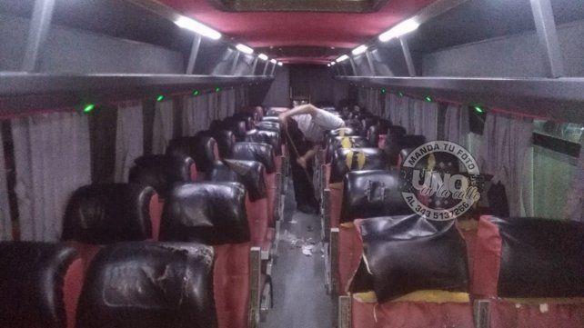 De Viale a Paraná, en coches sucios, rotos, sin luz y a deshora