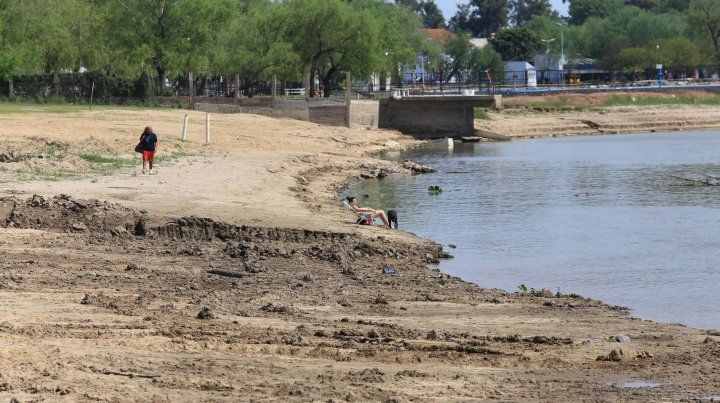 Paraná sin playas públicas al menos en el arranque de la temporada de verano