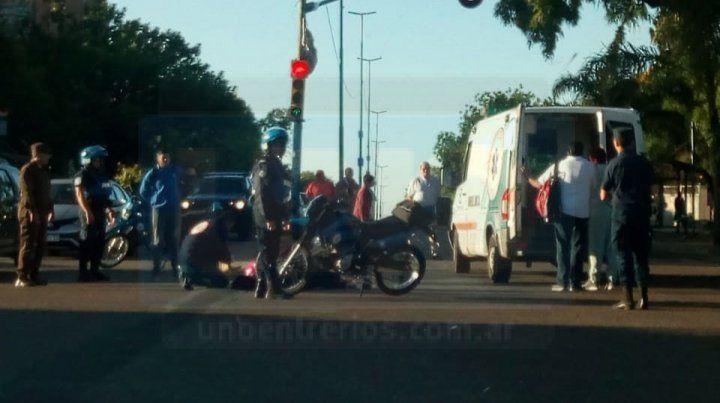 Chocaron dos motos y sus conductores debieron ser hospitalizados