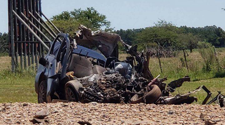 El soldado que conducía el auto habría chocado intencionalmente al camión