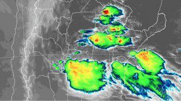 la provincia continua bajo alerta meteorologico por tormentas fuertes