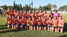 Las chicas de los dos seleccionados tucumanos festejan juntas los títulos en Paraná.