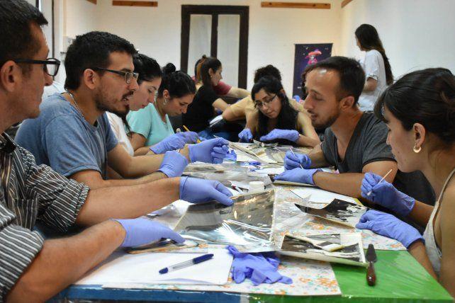 Capacitación en conservación y preservación de materiales para trabajadores de Museos y áreas afines