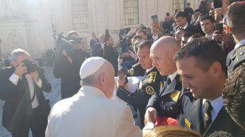 Videos: El Papa hizo selfies con policías entrerrianos