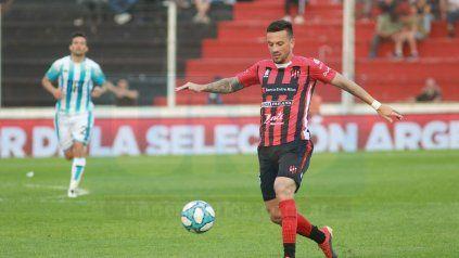 Mathías Abero podría irse de Patronato. Se iría al fútbol de su país: Uruguay.