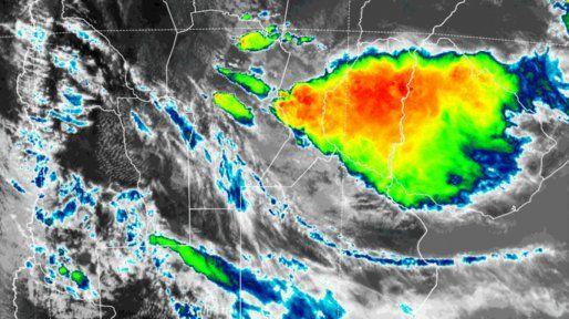 Con alerta renovado llueve copiosamente en la región