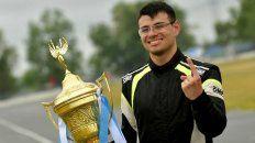 El joven es una promesa del deporte.