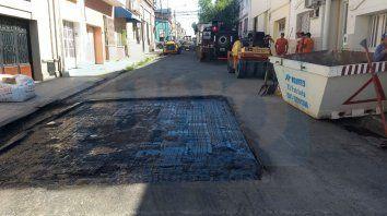 bachean con asfalto caliente calles del centro