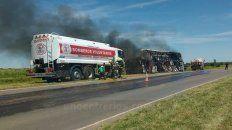 se incendio por completo un colectivo de san jose en ruta 39