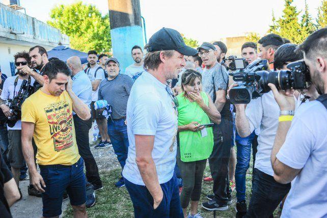 Buscado. El DT de Vélez fue uno de los más requeridos por los medios.