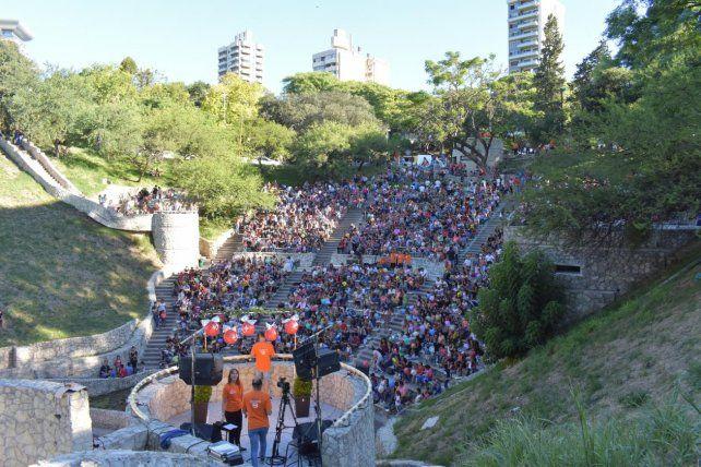 Una multitud llegó hasta el Anfiteatro.