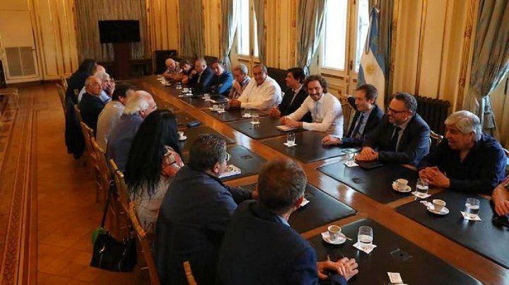 Renegociar la deuda: Alberto convocó a dialogar a gremios y empresarios