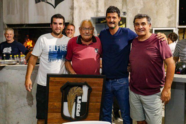 <p></p> Reconocimiento a Joni Barreto, por su colaboración en el torneo de Camadas de rugby<p></p>