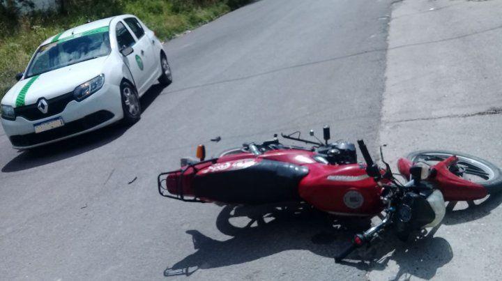 Choque a una moto: bebé internado en Terapia