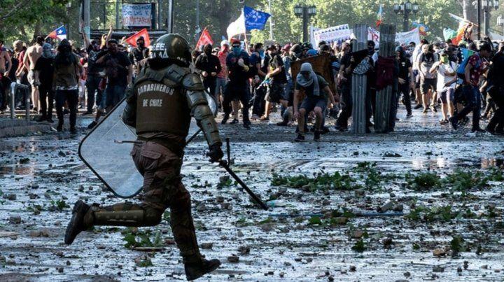 Fin de año con represión y heridos en Chile