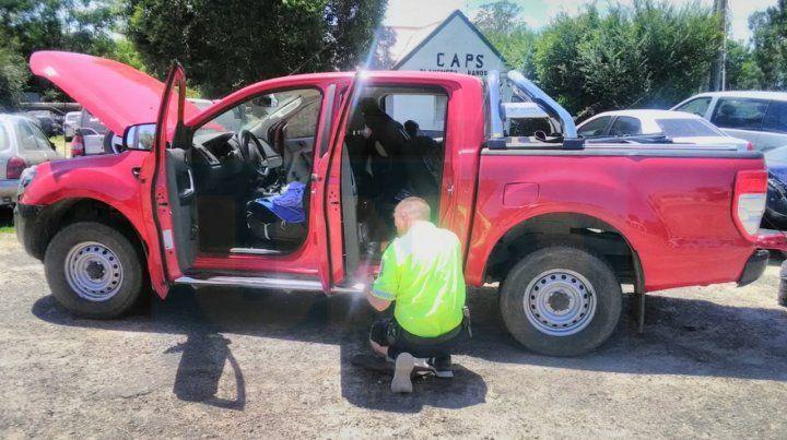 Venían en dos autos robados y quedaron con la familia en la ruta