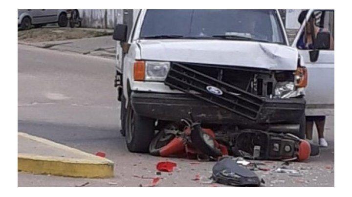 Motociclista perdió la vida tras colisionar con una camioneta