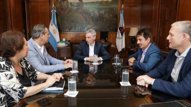 Bahl analizó el tema de subsidios con el ministro de Transporte de la Nación