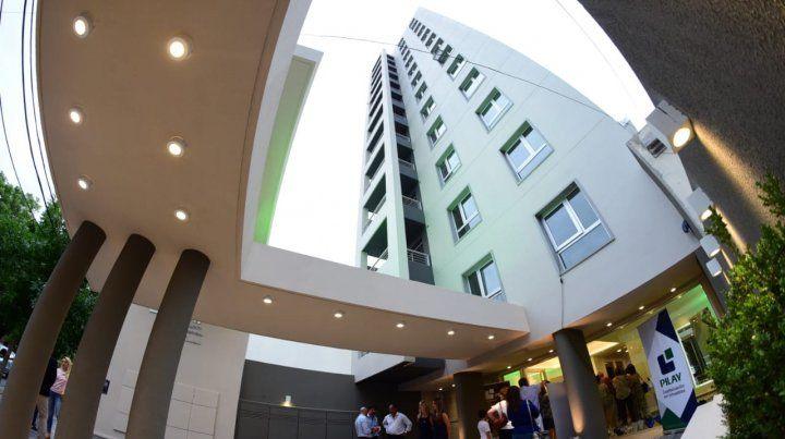 El edificio se encuentra enCatamarca 347