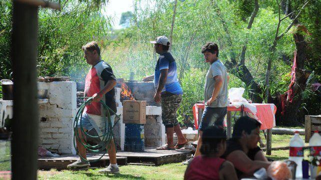 El santo que le cumple promesas a los pobres reunió a cientos de devotos en Paraná