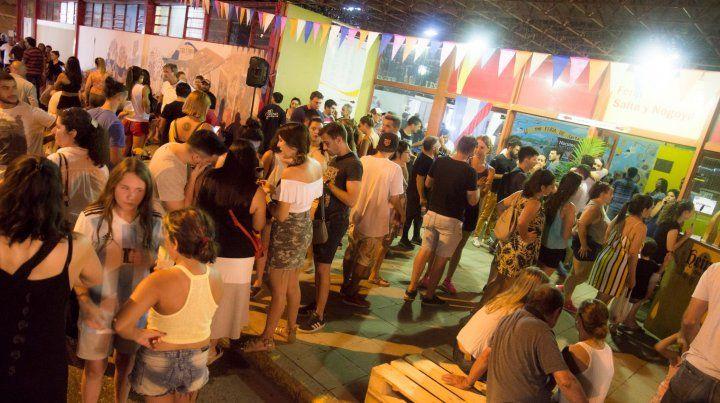 Esta noche continúa la propuesta La Feria de Noche, en Salta y Nogoyá