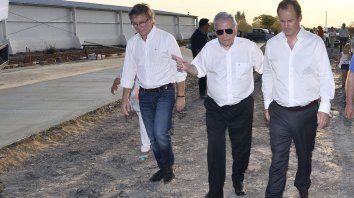 Bordet junto a Motta y el ministro de la Producción, Juan José Bahillo.