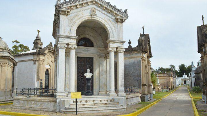 Un cementerio histórico que busca unir el pasado con el siglo XXI