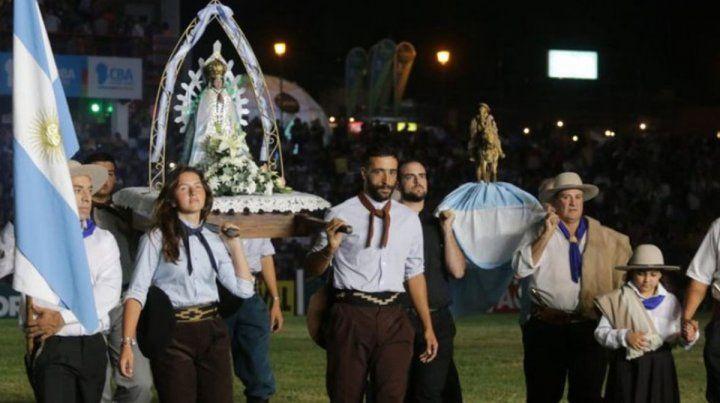 La virgen siempre presente en las fiestas tradicionales.